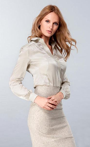 abb8b9ccfd8 Шелковые белые блузки. Женские шелковые блузки  от деловых до ...