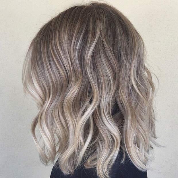 Balayage blond par scurt