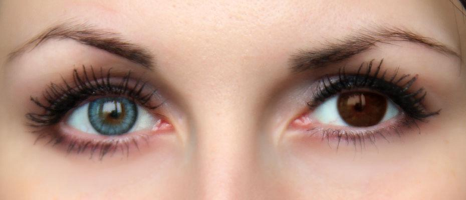 1a5ce34faf Καφέ μάτια  πριν και μετά από την προσπάθεια σε πράσινους φακούς