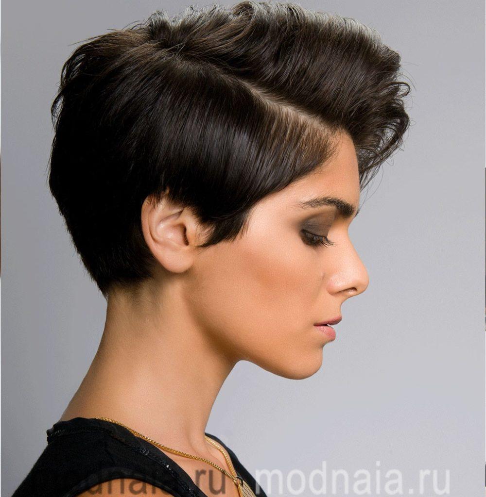 Женские модельные прически на короткие волосы