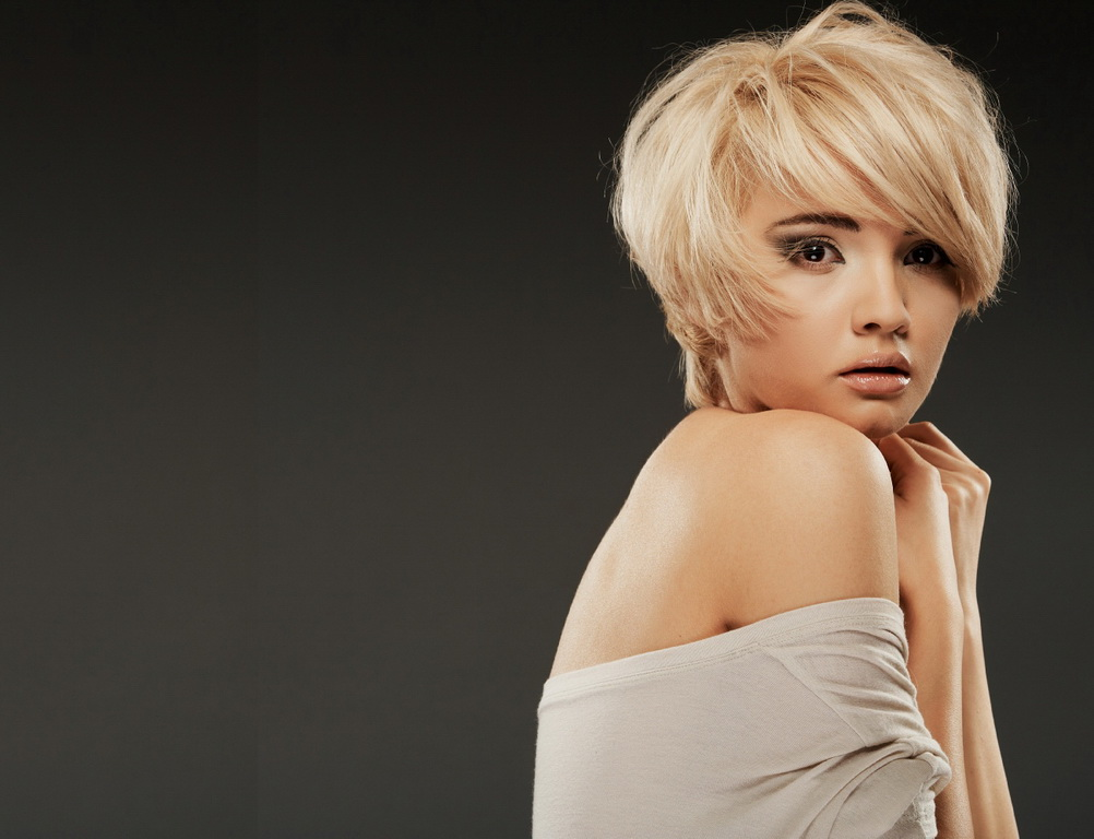 Посмотрев на них, многие женщины принимают решение подстричь волосы.