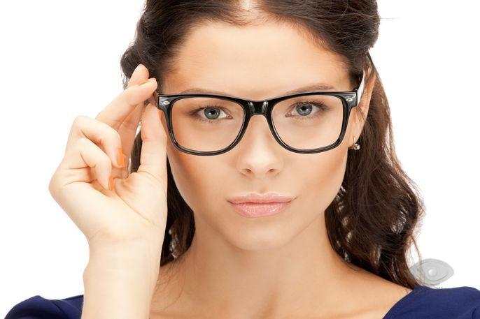Σημαντικό μέρος αυτών των γυαλιών σήμερα είναι πλαίσια κατασκευασμένα από  πολυστρωματική οξική κυτταρίνη (που λαμβάνεται χημικά από βαμβάκι ή μαλλί). df6c94f5032
