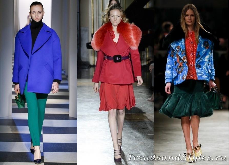 658263d18e Egy kényelmes és megfelelő évszak lesz a női őszi kabát közepes hosszúságú.  A 2017-2018-as kiállításokon egy másik vágási és texturális megoldás  látható, ...