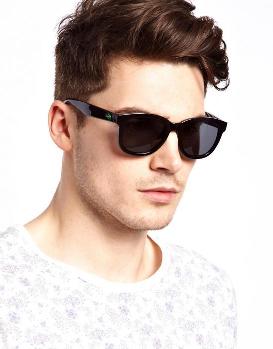 8a744a4f78 Τα γυαλιά αυτού του τύπου έχουν ένα πλατύ πλαστικό πλαίσιο και