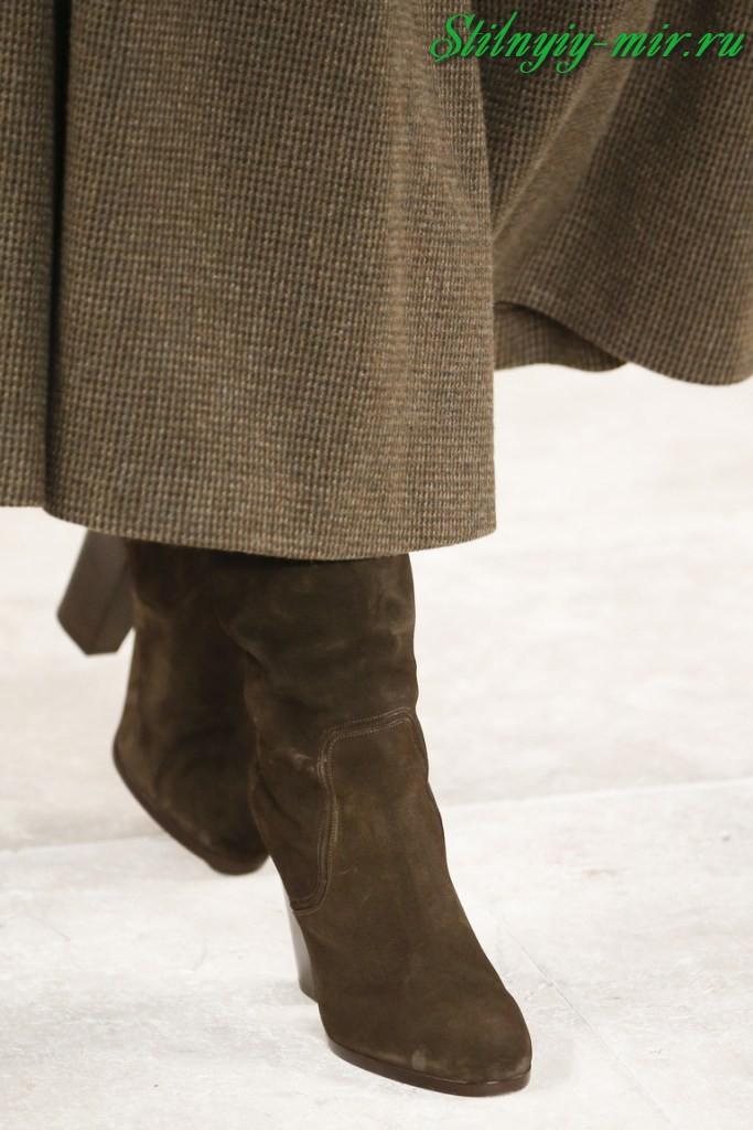 1f7900e7a5b7 ... дизайнеров, что смотрится еще более стильно. Многочисленные стильные  сапоги сезона осень-зима 2017-2018, представленные на фото, имеют каблуки  именно ...