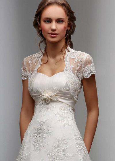 f1b7156a5ffc18e Кружевное болеро для свадебного наряда не должно выбиваться из общего тона  платья, т.е. по традиции к белому платью приобретается белое болеро.