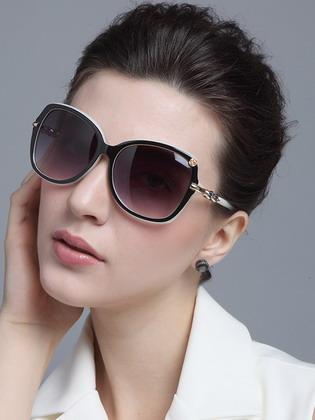 c7b5eb0fd ولكن ، على الرغم من حقيقة أن أزياء 2017 للنساء واقية من الشمس نظارات نسائية  متعددة الأوجه وديمقراطية ، شيء واحد ، ولكن للغاية قاعدة مهمة لا يزال هناك.