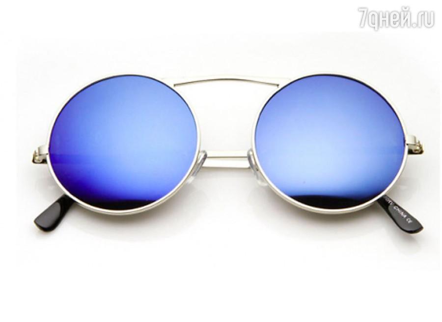 9da6b0d52 Tishades ، أو كما يطلق عليها ، نظارات الجدة ، أو النظارات على شكل دائري في  إطار معدني صلب الإطار. محددة بدقة من حيث اتجاه الأسلوب ، من وجهة نظر المظهر  ...