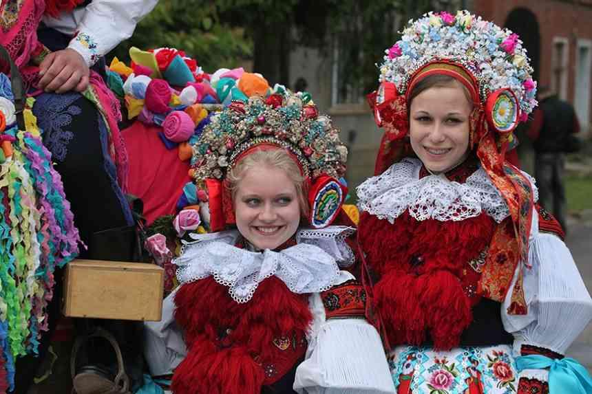 1f58635425 A különböző népek szoknyái. Az orosz nép hagyományai és szertartása ...