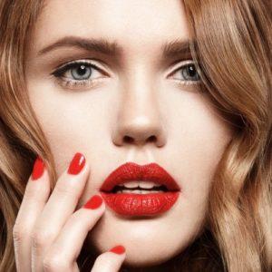 Machiaj Pentru Blonda Cu Buzele Roșii Cum Să Pictezi Buzele Glossy