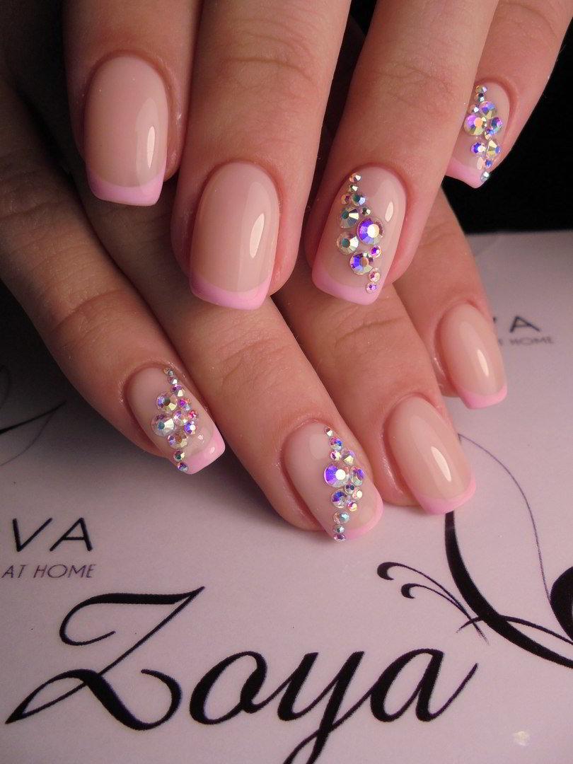 Фото нарощенных ногтей в розовых цветах
