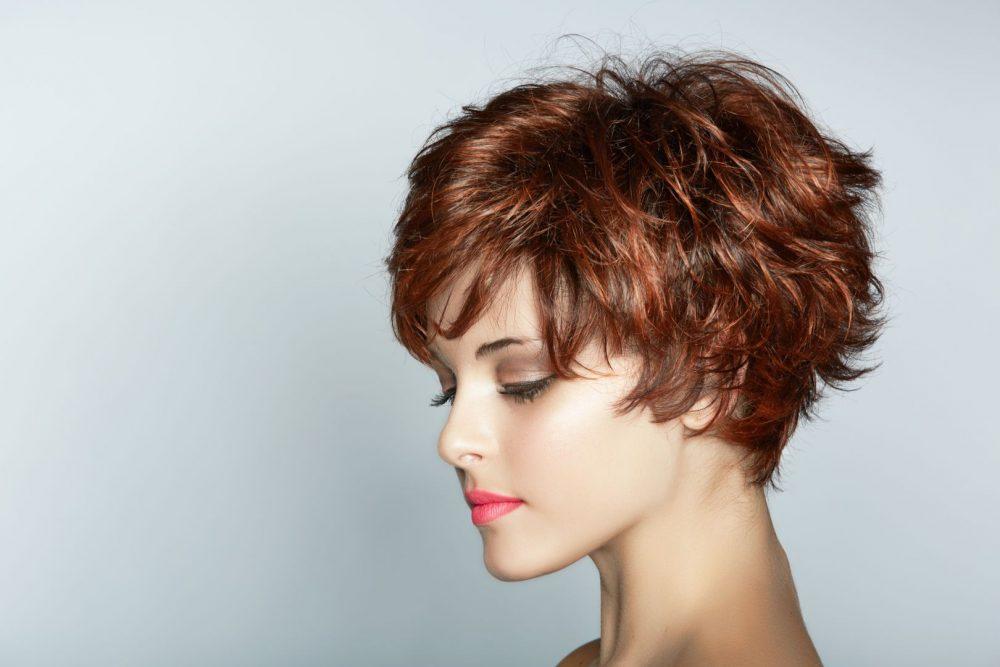 Μερικοί κομμωτές αυτό το είδος της hairstyle μπορεί να βρεθεί στον κατάλογο  των τιμών με την επωνυμία «Zador» c96c74c99fb