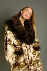 Μάντο. Γούνινα παλτά και σακάκια. Φινίρισμα γουνών και παλτών από ... ef41f27d95e